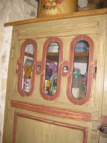 patine sur portes anciennes pour création de placard